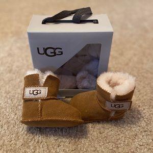 UGG Erin infant chestnut boots 0-6 months